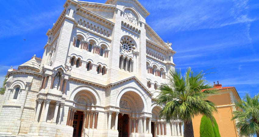 e-GTI-School-Tour-Monaco-Cathedral