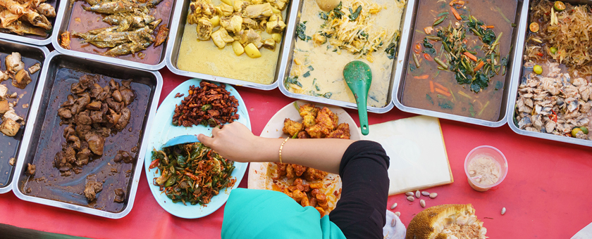 i-Variety of delicious Malaysian home cooked dishes sold at street market stall _314062646